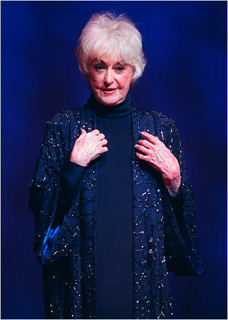 Showtune sunday all about bea arthur for Why did bea arthur leave golden girls