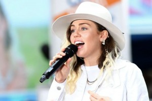 miley-cyrus-shutterstock-670x447