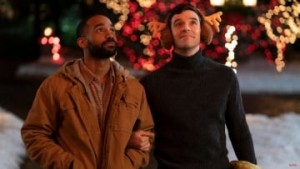 netflix-gay-christmas-rom-com-single-all-the-way-first-look-images