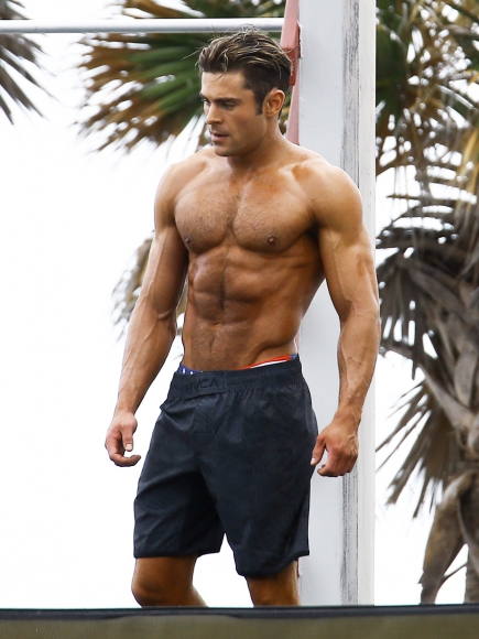 Snapped! Buff Zac Efron on set of 'Baywatch' movie!