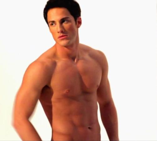Michael Trevino jr